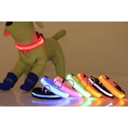 Glowing LED collar for dog